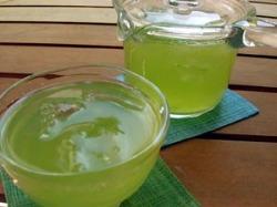 ひんやりおいしい水出し緑茶